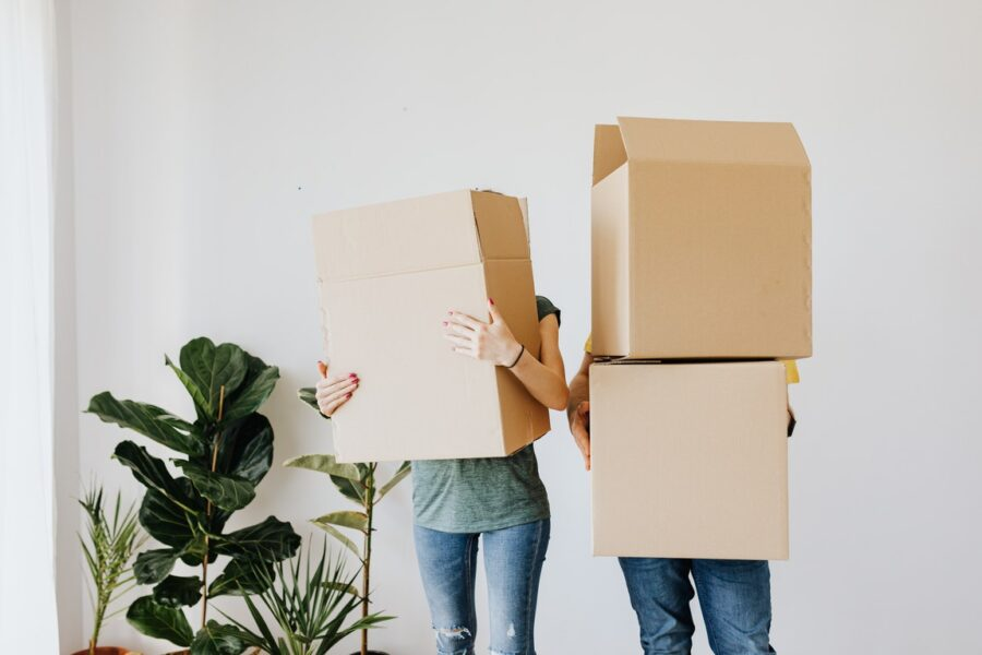 Essentials Of Choosing A Moving Company To Work With For Your Relocation