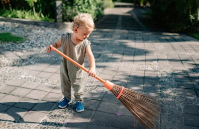 Using A Broom Correctly – Simple Tips That Can Minimize Hassle